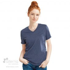 T-shirt en coton bio fabriqué au Québec avec col en V