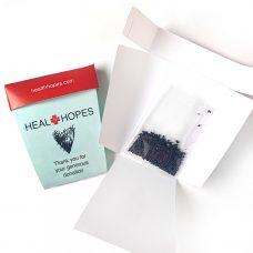 Paquet de semences dans un pot en papier